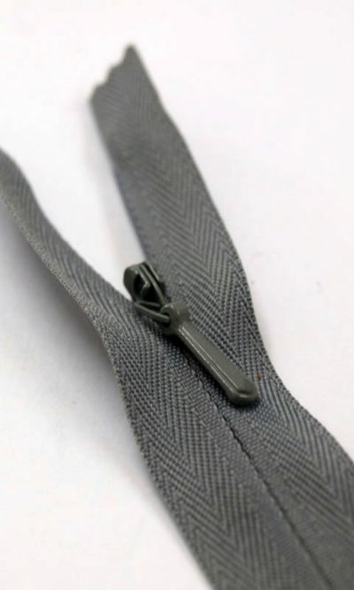22-56cm-mid-grey-invisible-concealed-zip